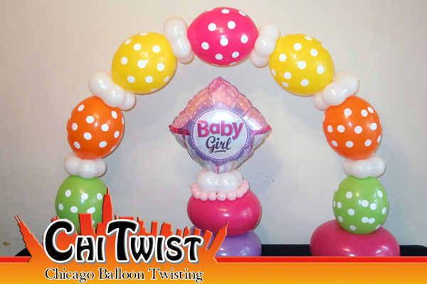 Chicago family friendly entertainment for Balloon decoration chicago